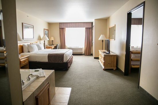 Ottertail, MN: King Twin Suite