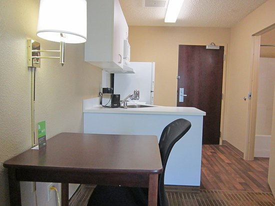 Extended Stay America - Seattle - Northgate : Fully-Equipped Kitchens