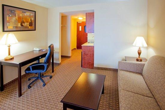แทปปาฮันนอก, เวอร์จิเนีย: Our suites feature a comfortable living area