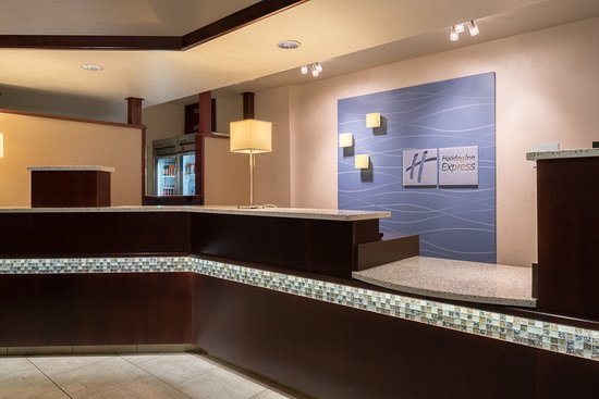 Holiday Inn Express Spokane Valley Front Desk Area