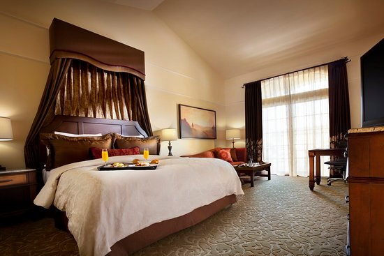 The Meritage Resort and Spa: Superior Extended King Guestroom