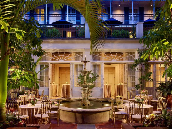 Royal Sonesta New Orleans: Courtyard Reception
