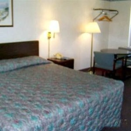Budget Host Inn Somerset: Guest Room