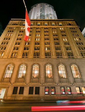 One King West Hotel & Residence: Exterior View