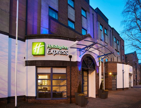 Holiday Inn Express Belfast City Queens Quarter: Entrance to Holiday Inn Express Belfast