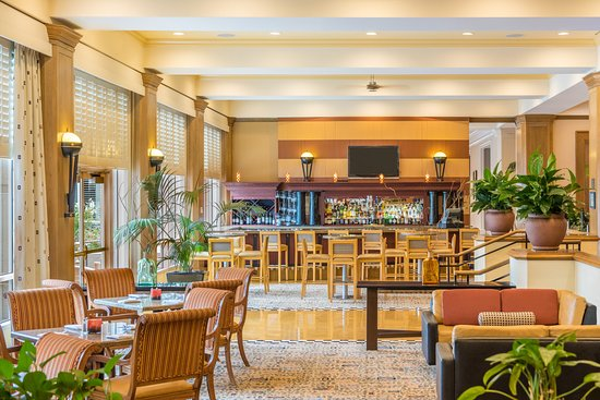 DoubleTree by Hilton Hotel San Diego - Mission Valley: Windows Lounge