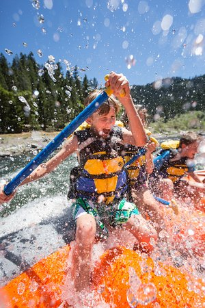 Merlin, OR: Rafting trips for kids on the Rogue River.