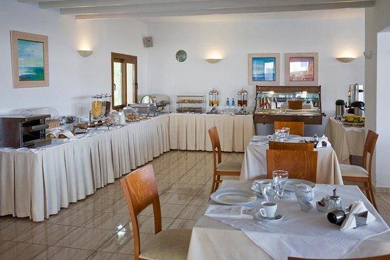 Yiannaki Hotel: Breakfast