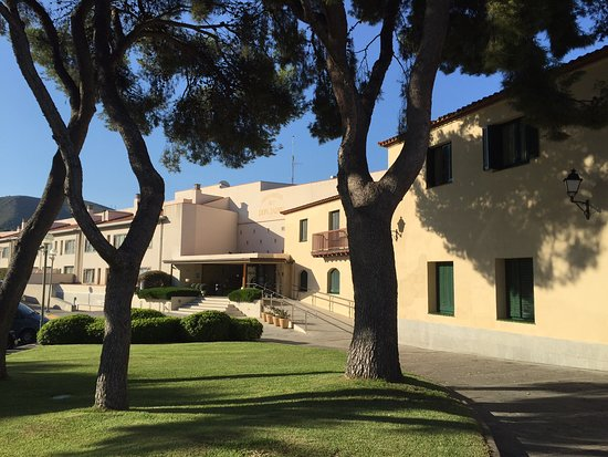 Gran Hotel Rey Don Jaime: l'entrée de l'hôtel