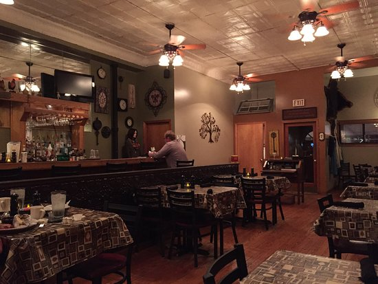Shelbyville, IL: Quiet night at Longbranch Grill.