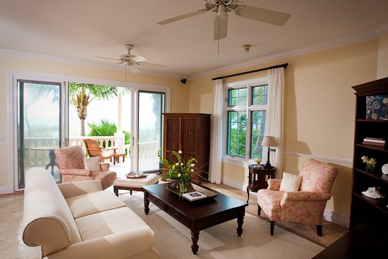 Point Grace: Ocean Front Suite - Living Room