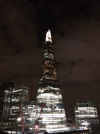 view from rooftop bar - Picture of Hilton London Tower ...
