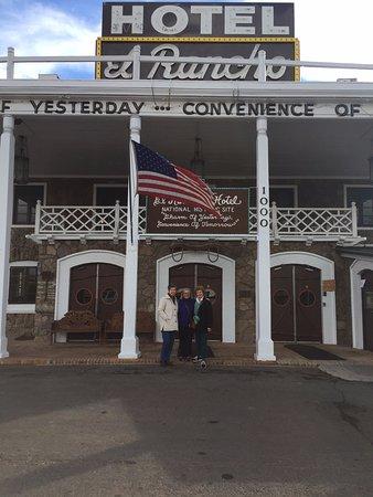 El Rancho Hotel & Motel: front of El Rancho hotel in Gallup, New Mexico