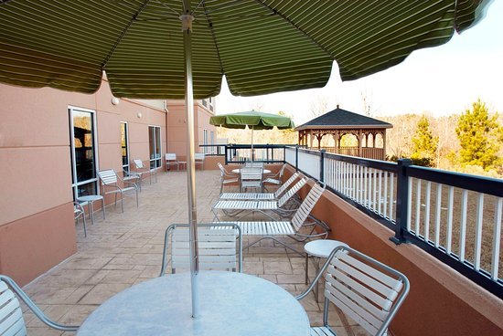 Fairfield Inn & Suites Milledgeville: Gazebo