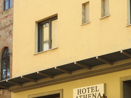 Hotel Athena: Front of hotel