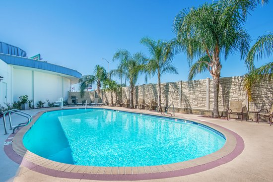 Gretna, LA: Outdoor pool at Holiday Inn New Orleans Westbank