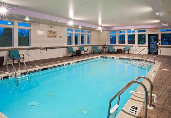 تاون بليس سويتس باي ماريوت بيثلهم إستون: Indoor Pool
