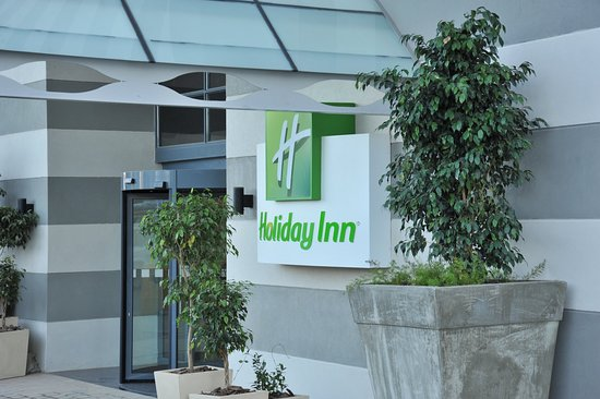 Holiday Inn Johannesburg-Rosebank: Entrance Porte Cochere