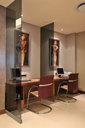 Holiday Inn Johannesburg-Rosebank: Business Center