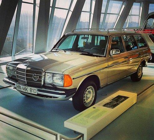Mercedes-Benz Museum: Screenshot_20161110-231524_large.jpg