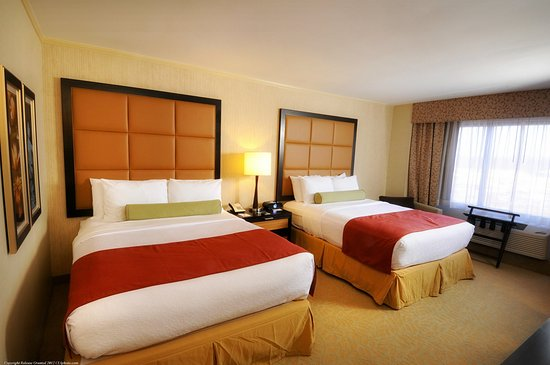 Claymont, DE: Crowne Plaza - Wilmington North Double Bed Guest Room
