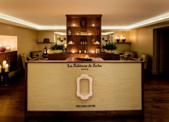 โรงแรม คราวน์พลาซ่า ลอนดอน เซนต์เจมส์