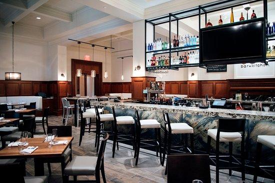 Rochester, MI: PARK 600 Restaurant at Royal Park Hotel