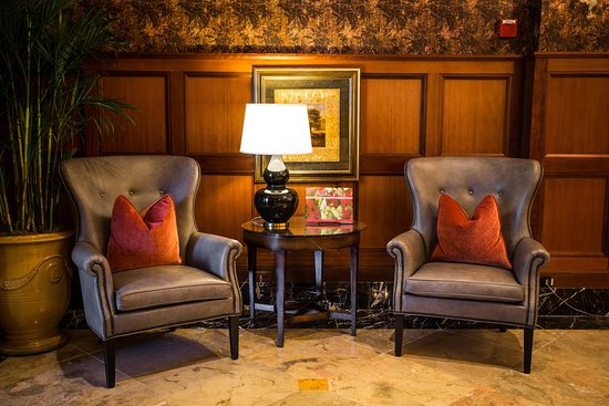 Rochester, MI: Main Lobby Chairs at Royal Park Hotel