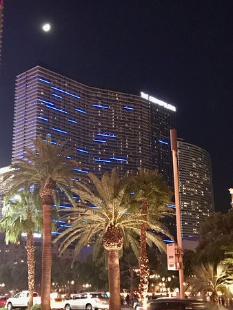 The Cosmopolitan of Las Vegas, Autograph Collection: Looking up at the hotel from the strip