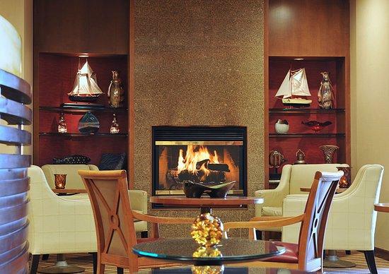 Crowne Plaza Annapolis: Lobby Lounge