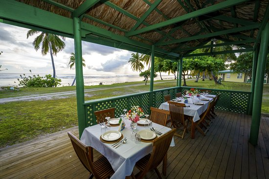 Cocos Beach Resort : Alfresco Dining at the Pulu Lounge