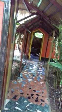 Hotel La Costa de Papito: Private Entrance (Bathroom to the left)