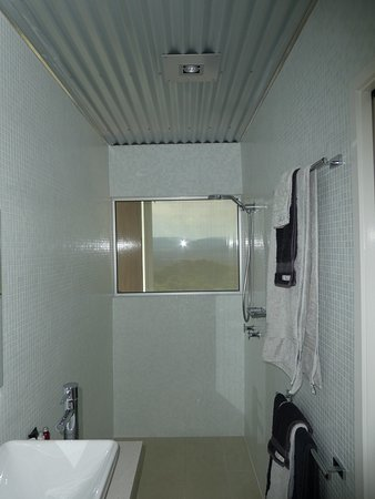 The Bunyip Scenic Rim Resort: Shower