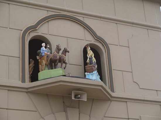 Berne, IN: The glockenspiel playing
