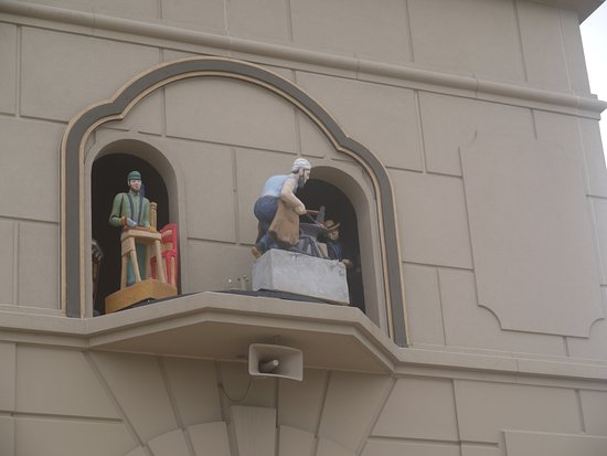 Berne, IN: moving characters from the tower