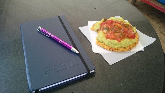 Jardin Botanico de Medellin: lectura y desayuno