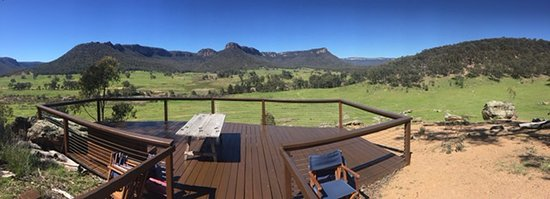 Wolgan Valley, Australien: One of the many decks around the property