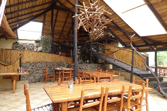 Pezulu Tree House Game Lodge: Breakfast area