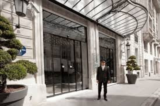 Outside picture of la maison champs elysees paris tripadvisor - La maison champs elysees ...
