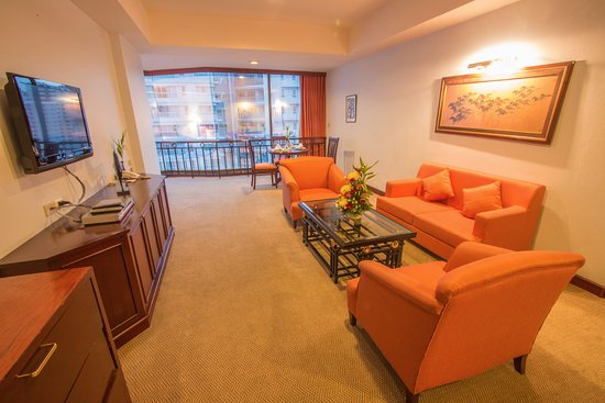 Tai-Pan Hotel: Suite Room