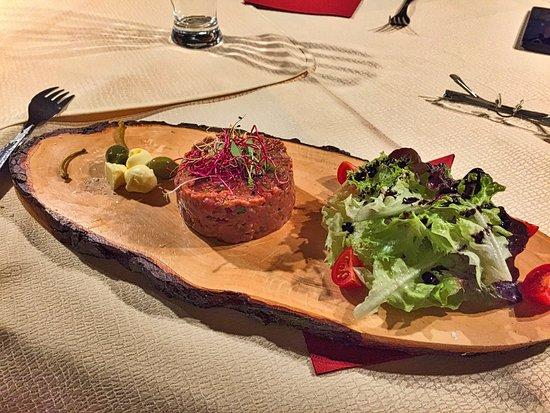 Ansfelden, Austria: Beef Tartar als Vorspeise