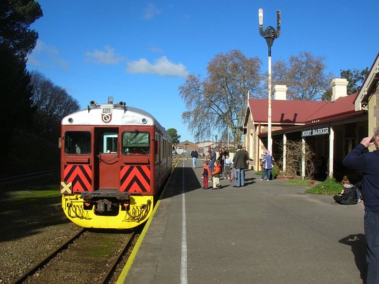 Mount Barker, Australien: Railmotor in station