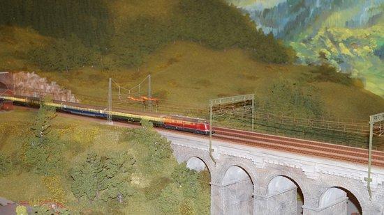 Hausach, Германия: Eine von vielen Brücken der Schwarzwaldbahn