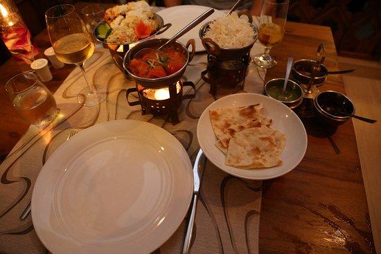 Κουραματί: Abendessen im Tandoor Mahal