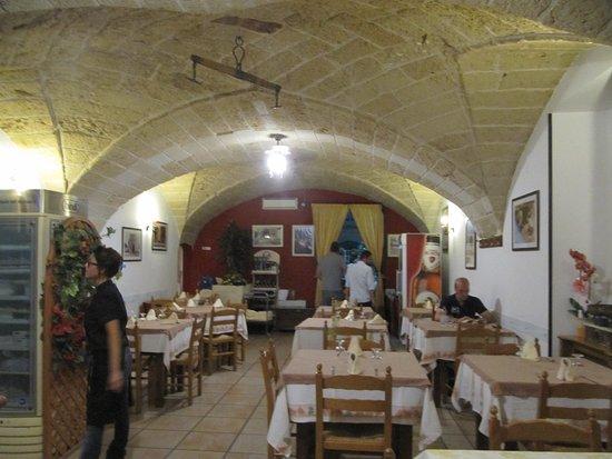 Martano, Italia: La Vera Tipica - Interni del locale