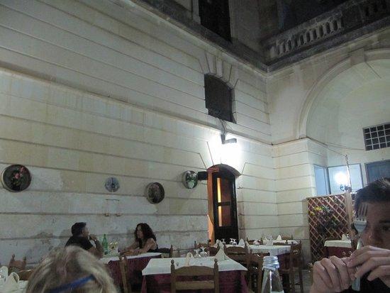Martano, Italia: La Vera Tipica - Tavoli all'aperto