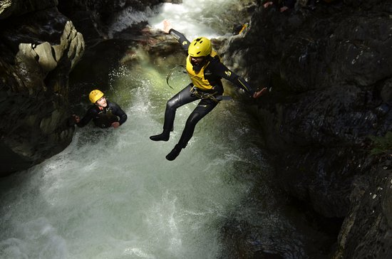 Canyoning Queenstown: We are always watching to ensure safety and encouragement