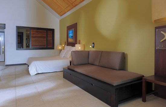 Victoria Beachcomber Resort & Spa: Deluxe room