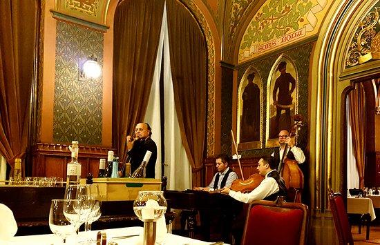 Afbeeldingsresultaat voor karpatia restaurant budapest