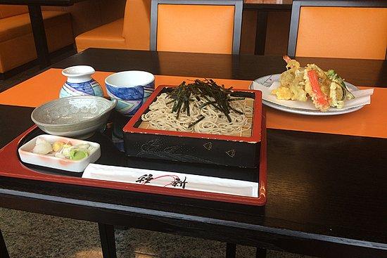 Warabi, Japan: 天ざる、天ぷらは別のお皿で出てきました